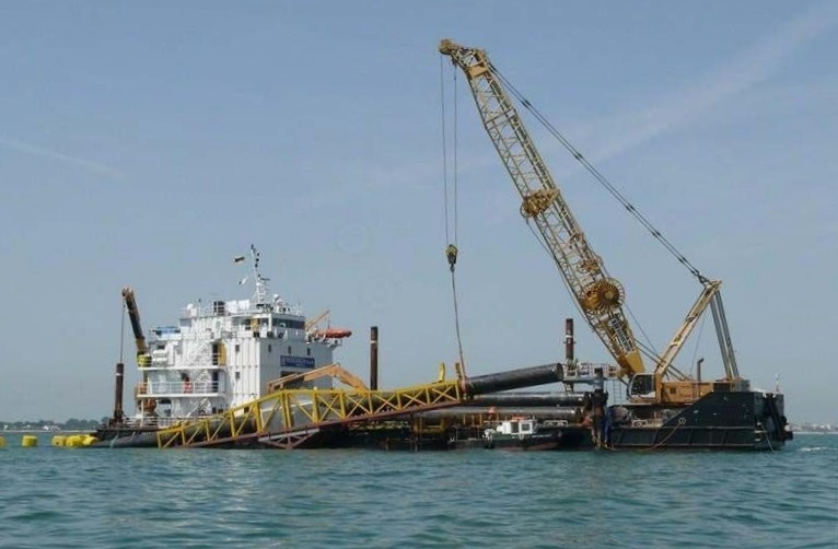 Shallow Water Pipelay Barge for Sale or Charter