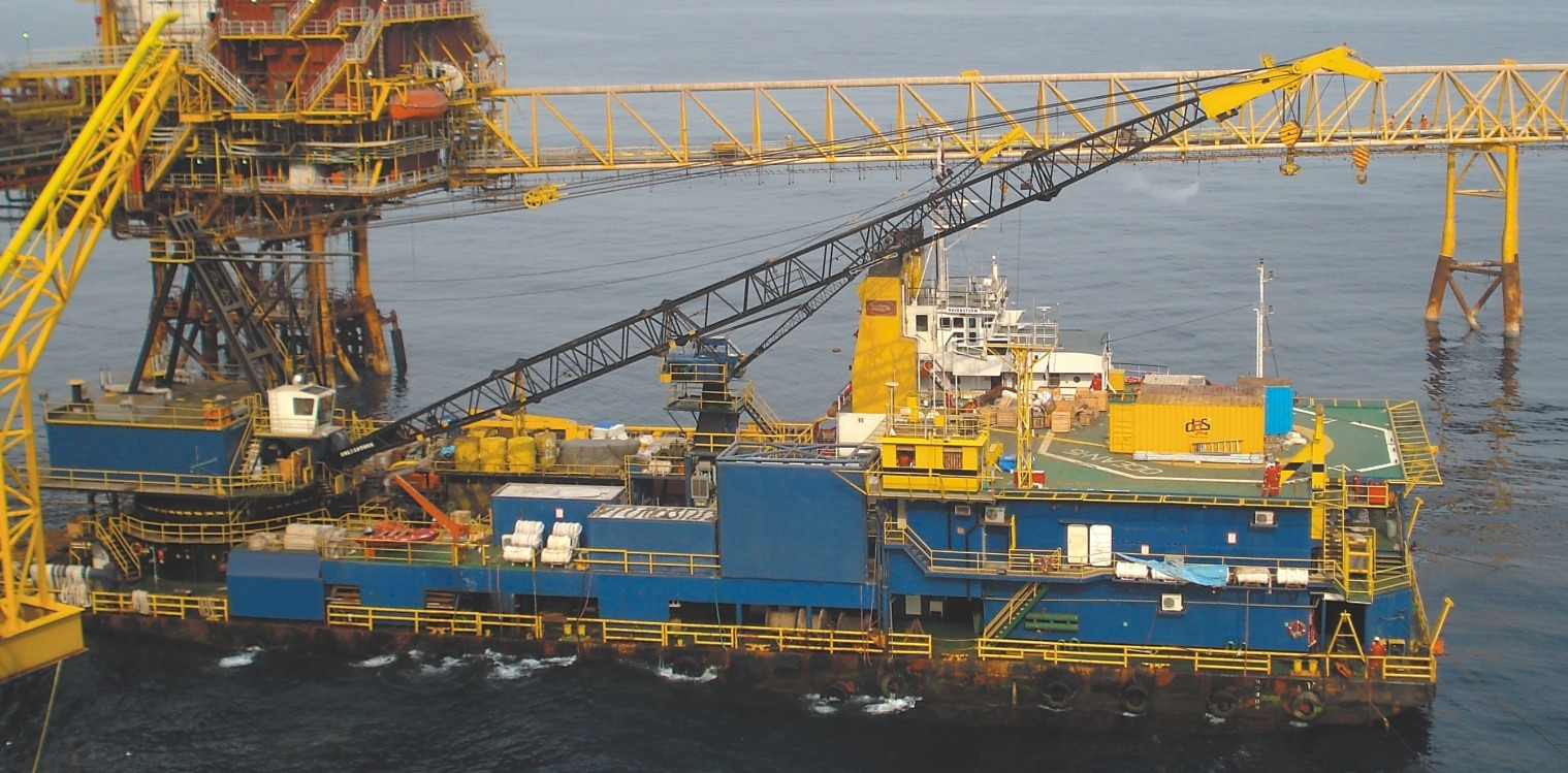 200 Accommodation Work Barge For Charter